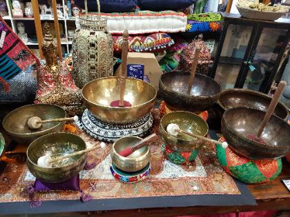 Tibetan singing & healing bowls